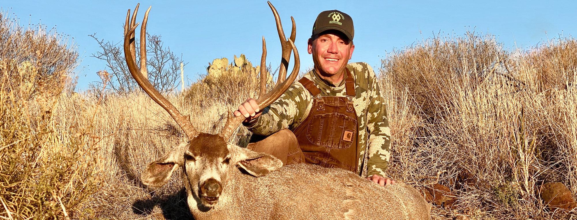 Wes Mundy Hunt Double Diamond Texas Hunting Outfitter with Desert Mule Deer Hunt